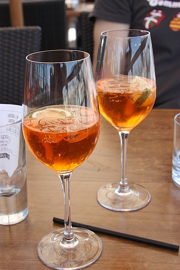http://foto.awd.ru/data/media/75/aperol-spring-cocktail.jpg