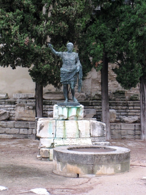 От Марселя до Каркассона (Арль,Ним,Пон-дю-Гар,Авиньон), или дождливый майский Прованс