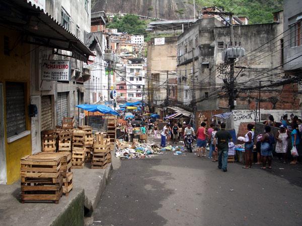 Фавелы Рио - посещение с экскурсиями и самостоятельно.