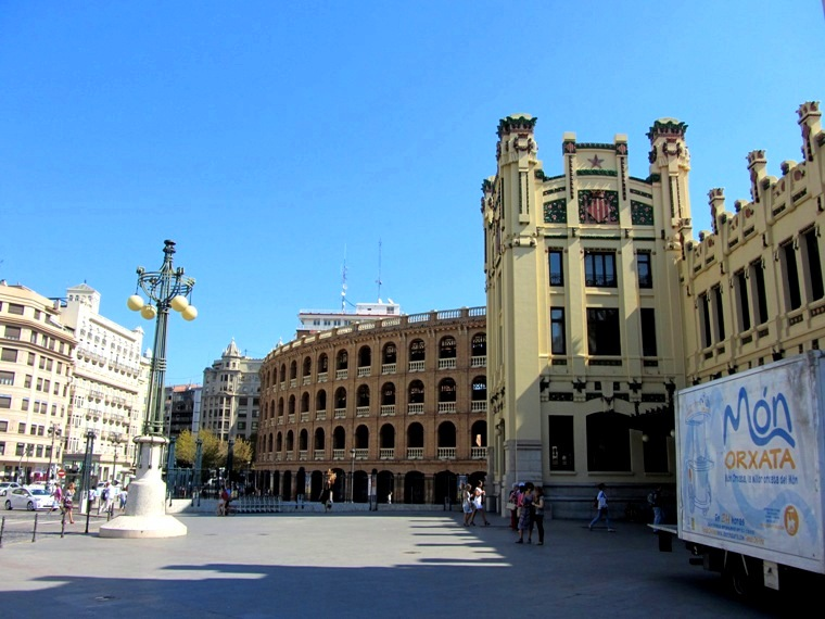 Валенсия и Коста-Бланка: пляжные бездельники в поисках аутентичной Испании