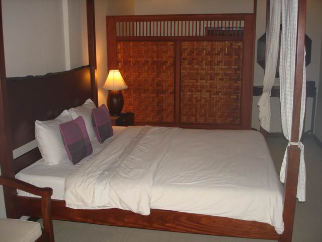 Лаос, Вьентьян. LV City Riverine Hotel